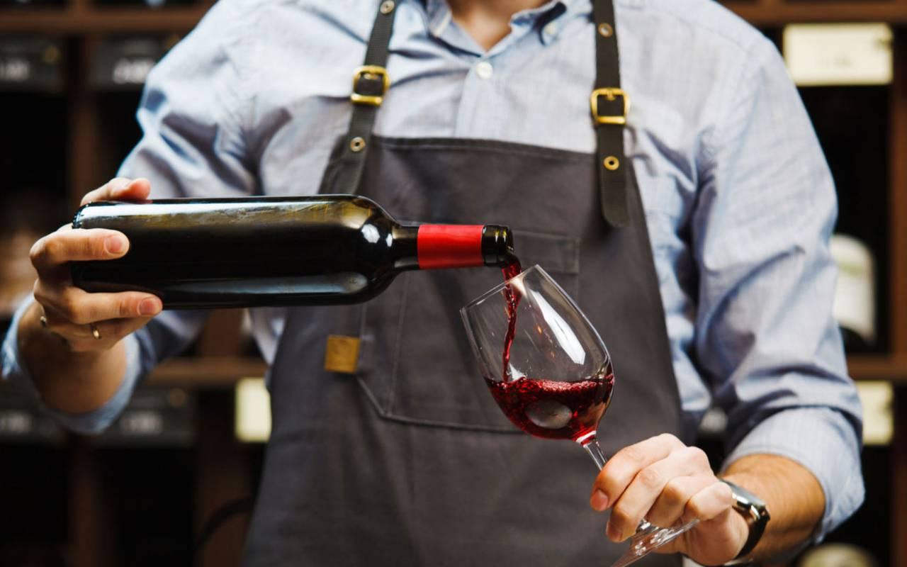 red wine tasting wine tourism herault vineyard