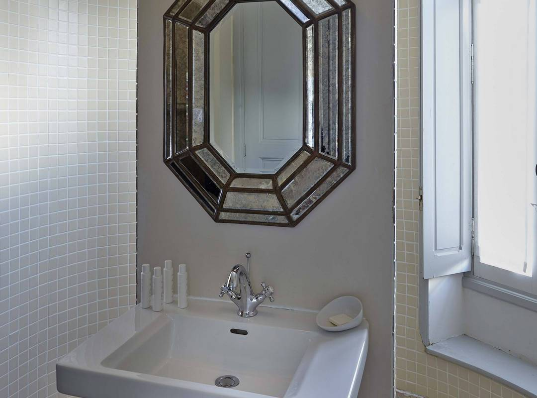 refined bathroom, house rental near Béziers, Les Carrasses