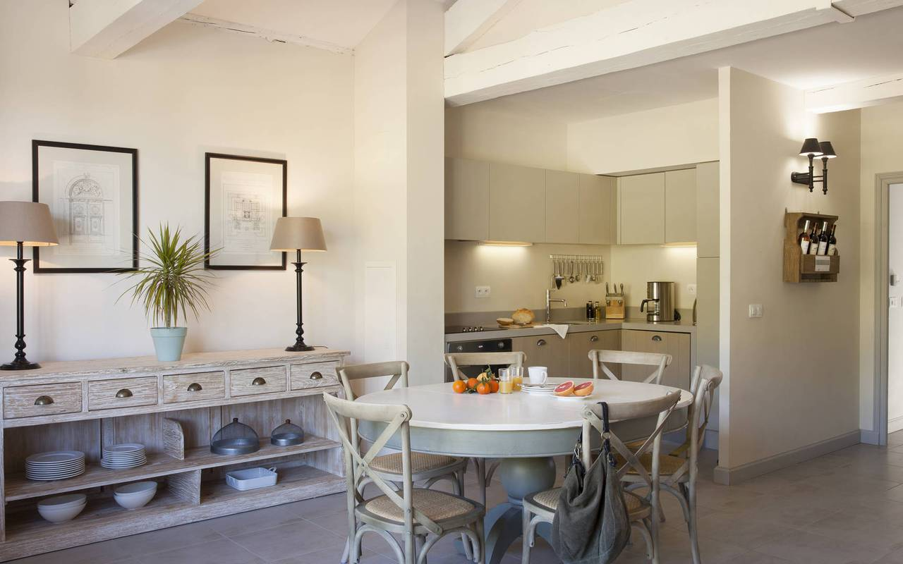 charming dining room, vacation rental narbonne, les carrasses