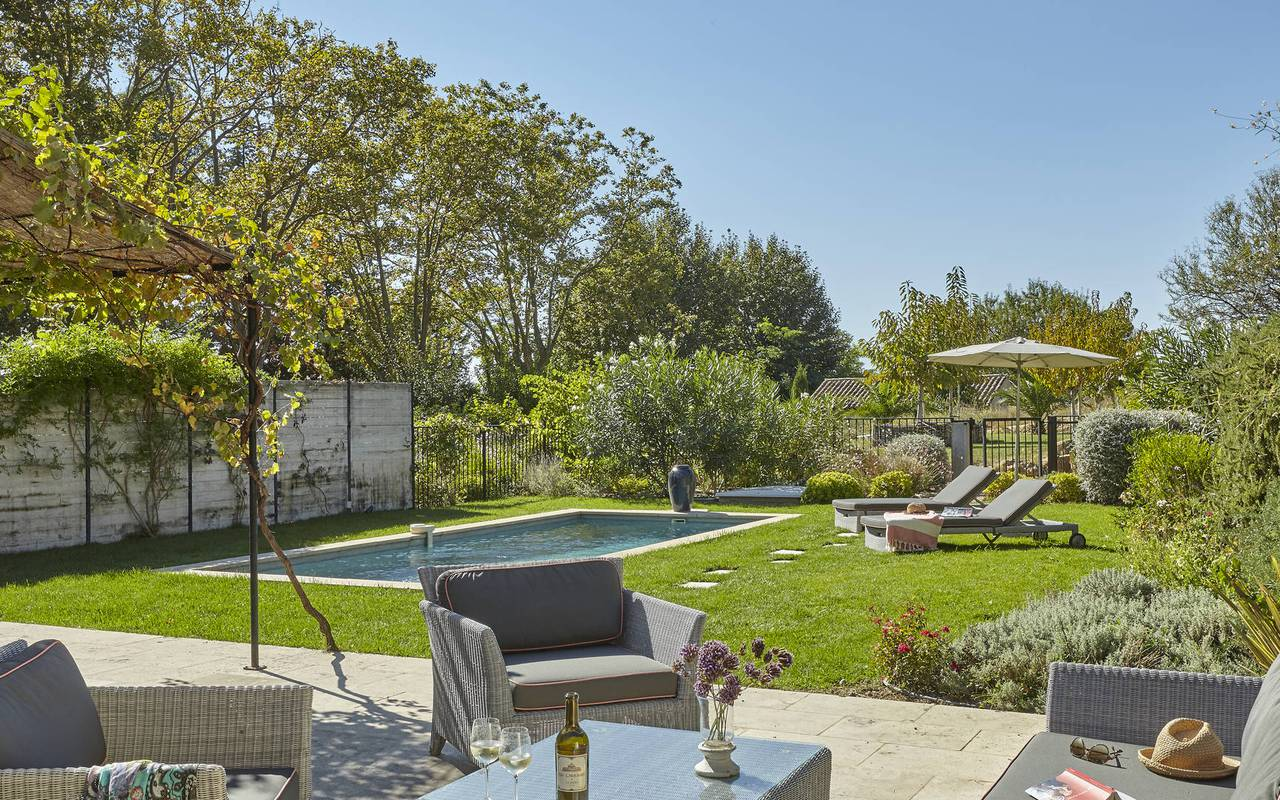 garden furniture and swimming pool, vacation rental in béziers, les carrasses