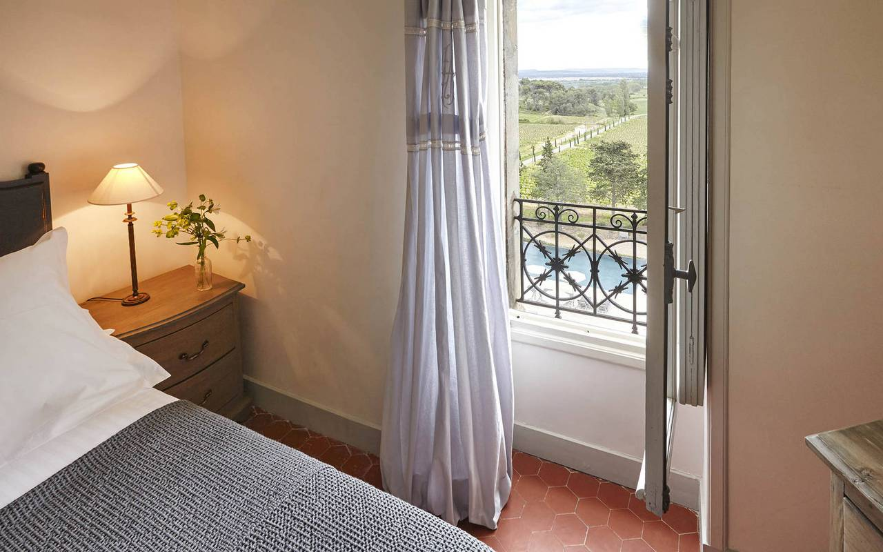 room with view, rental house swimming pool narbonne, les carrasses