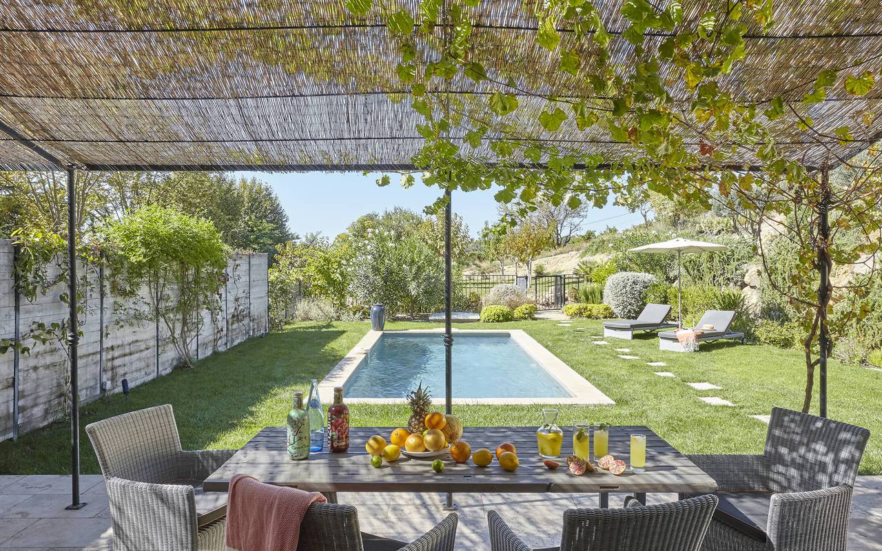 garden with swimming pool, herault house rental, les carrasses castle
