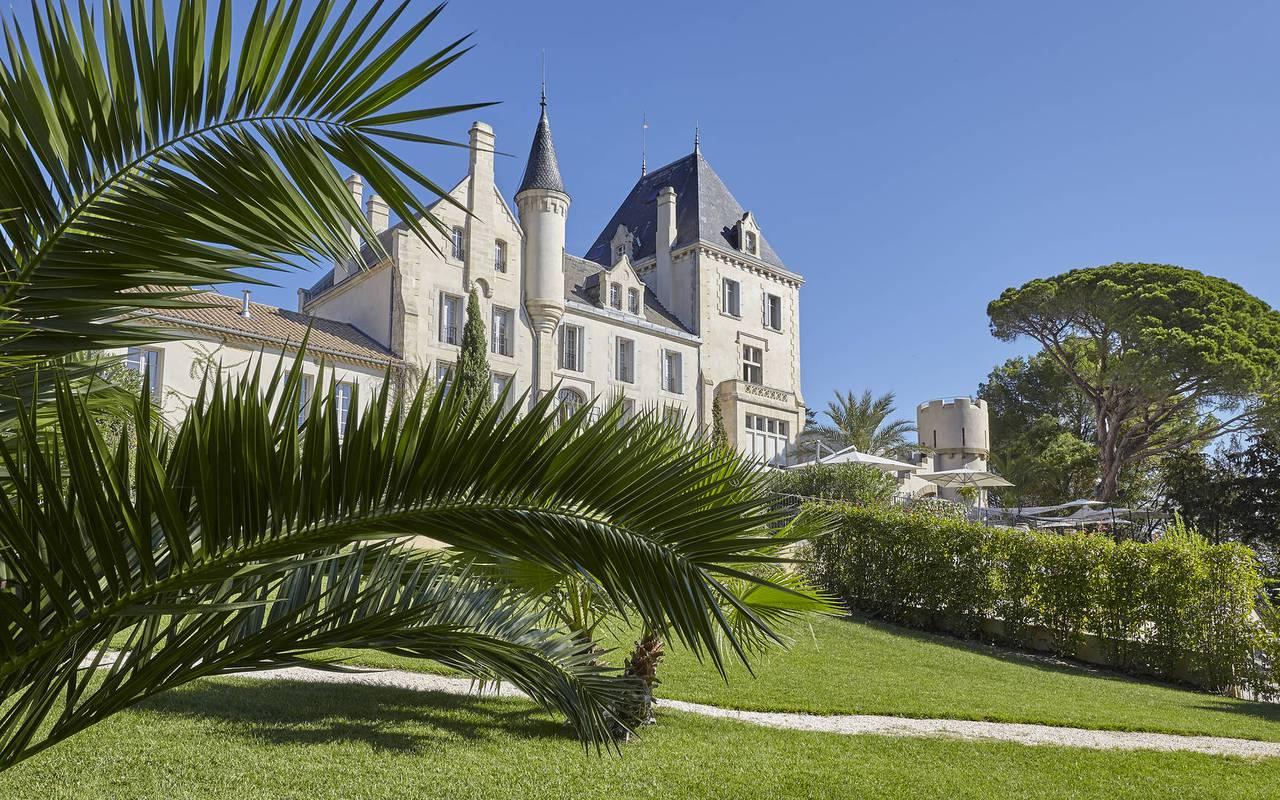 unusual occitanie accommodation, garden of les carrasses castle