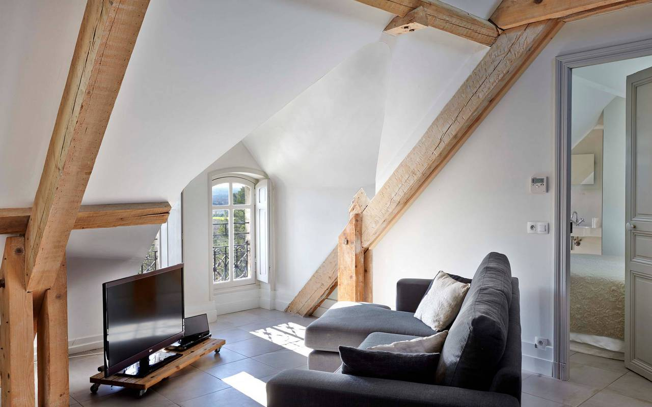 living room in the attic, rental house swimming pool narbonne, Les Carrasses