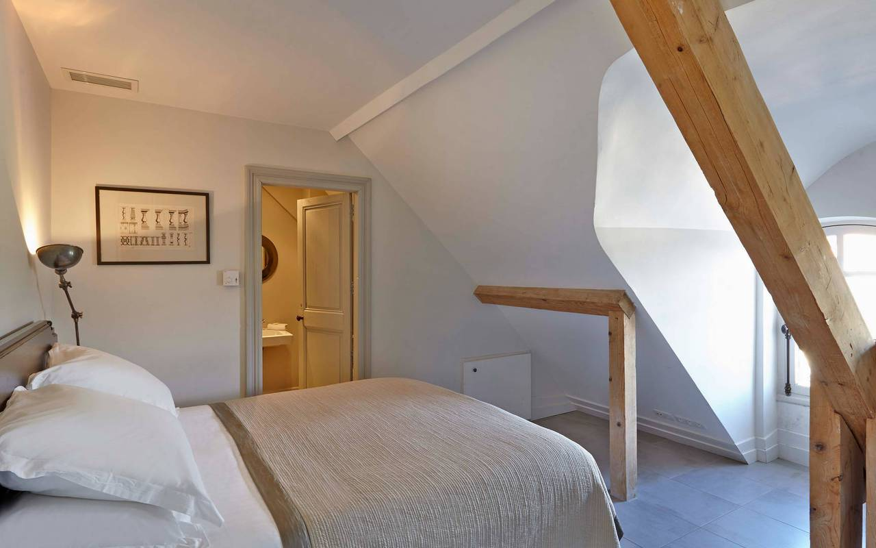 room-in-the-attic-rental-house-swimming-pool-narbonne-les-carrasses.jpg