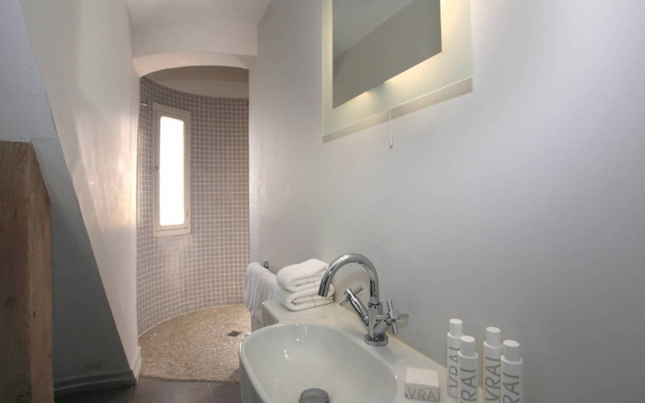bathroom, rental house swimming pool narbonne, Les Carrasses