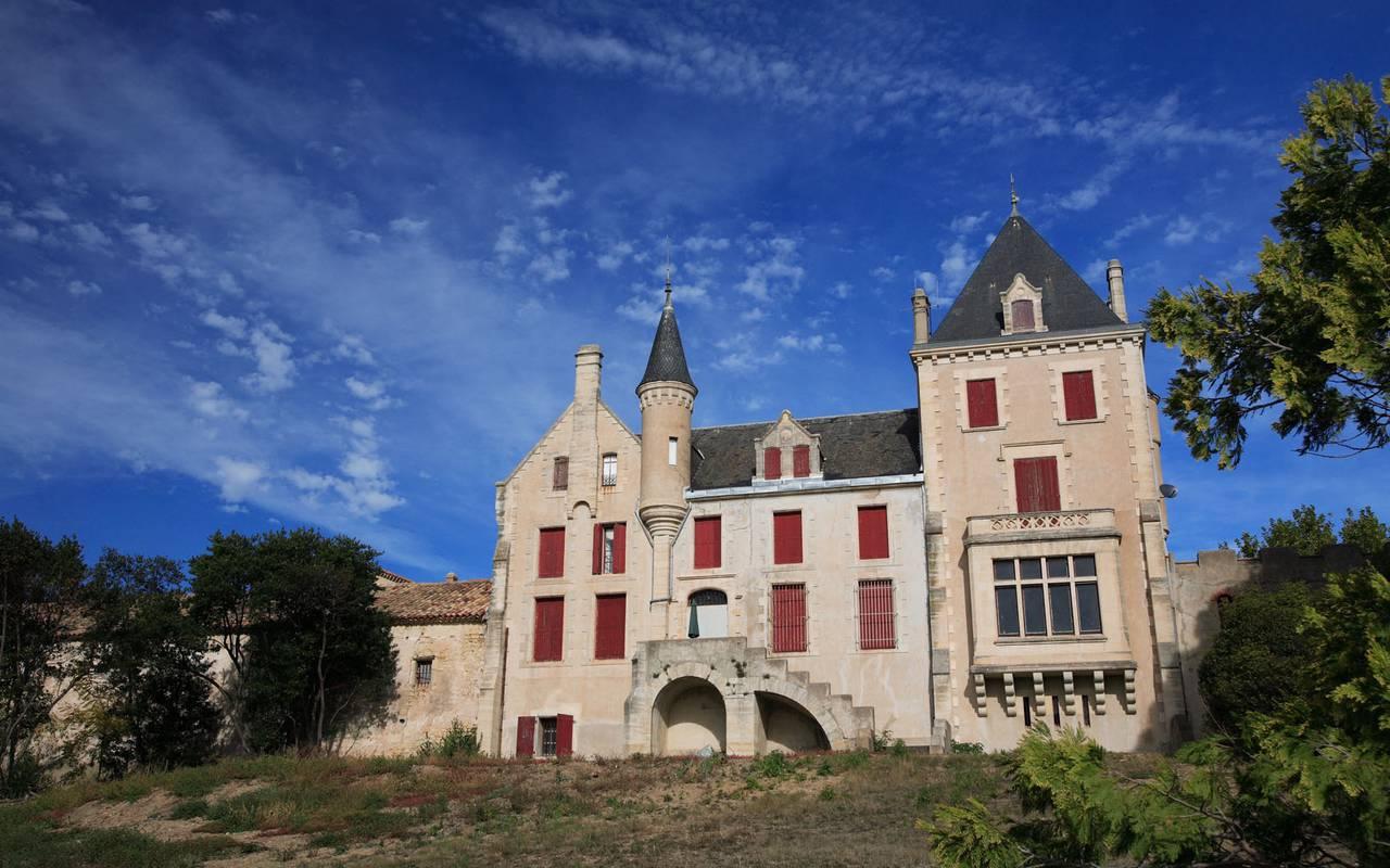 chateau les carrasses rental villa languedoc roussillon