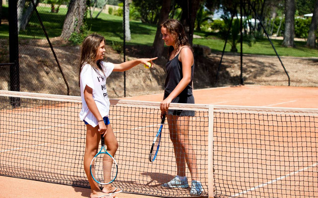 tennis game and romantic night in Languedoc Roussillon in Carrasses