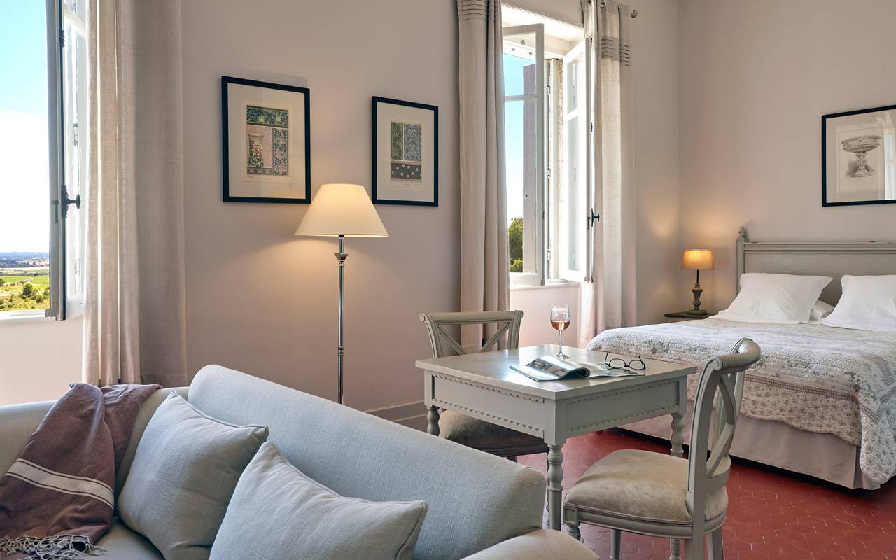 romantic room, vacation rental narbonne, les carrasses
