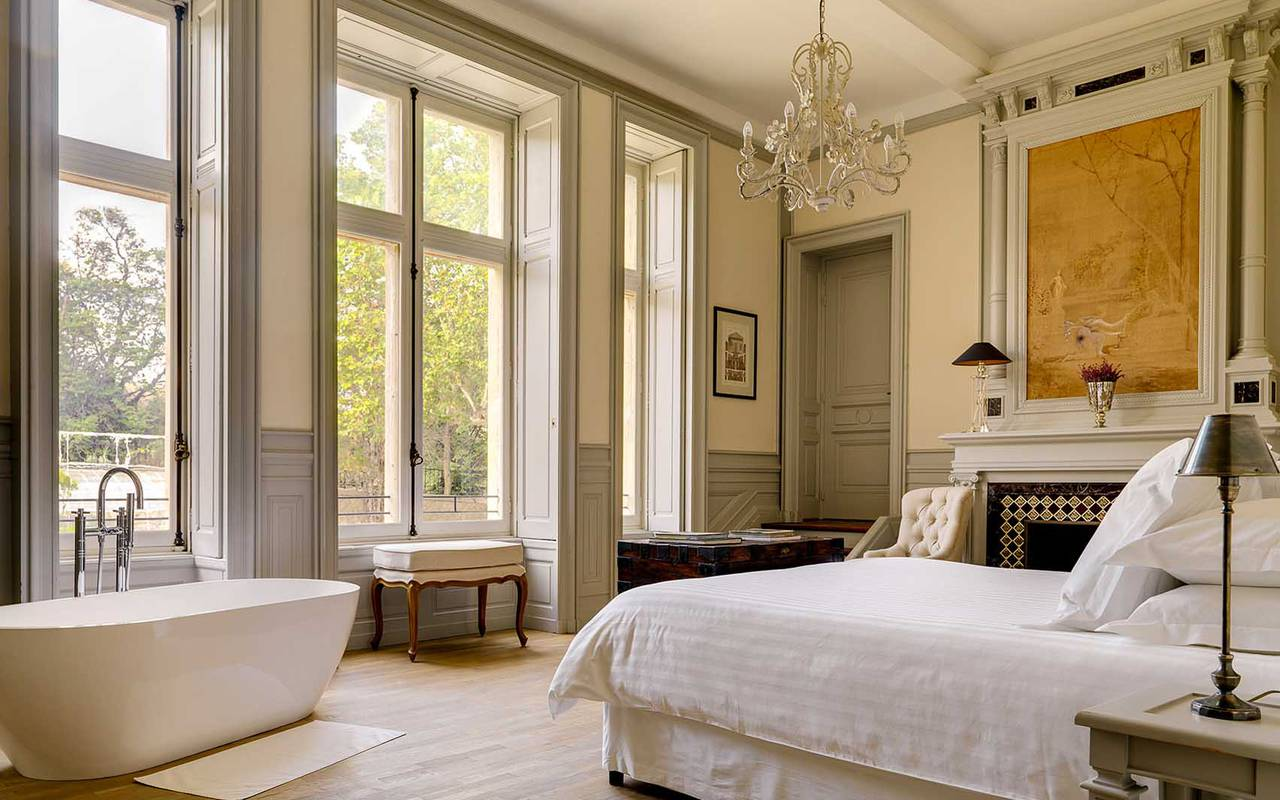 luxury room, vacation rental narbonne, les carrasses