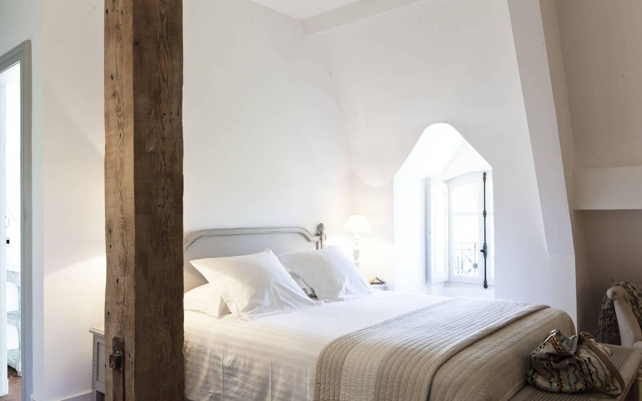 chambre mansardée, location de maison à capestang, Les Carrasses