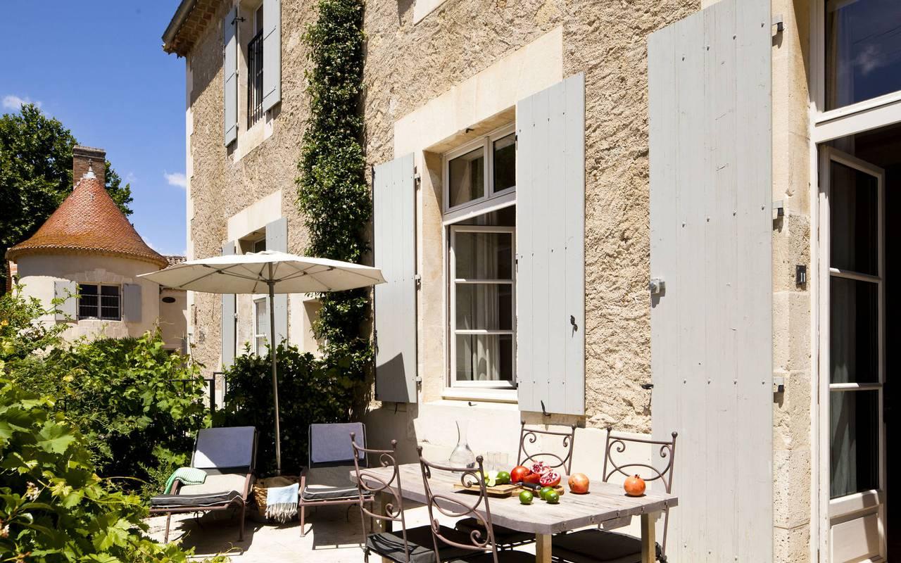 terrasse équipée, les carrasses, location vacances herault