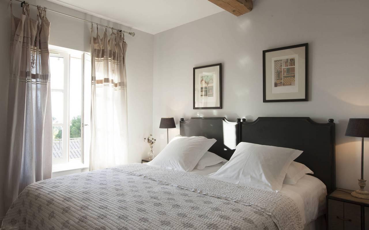 chambre chaleureuse, location vacances narbonne, les carrasses
