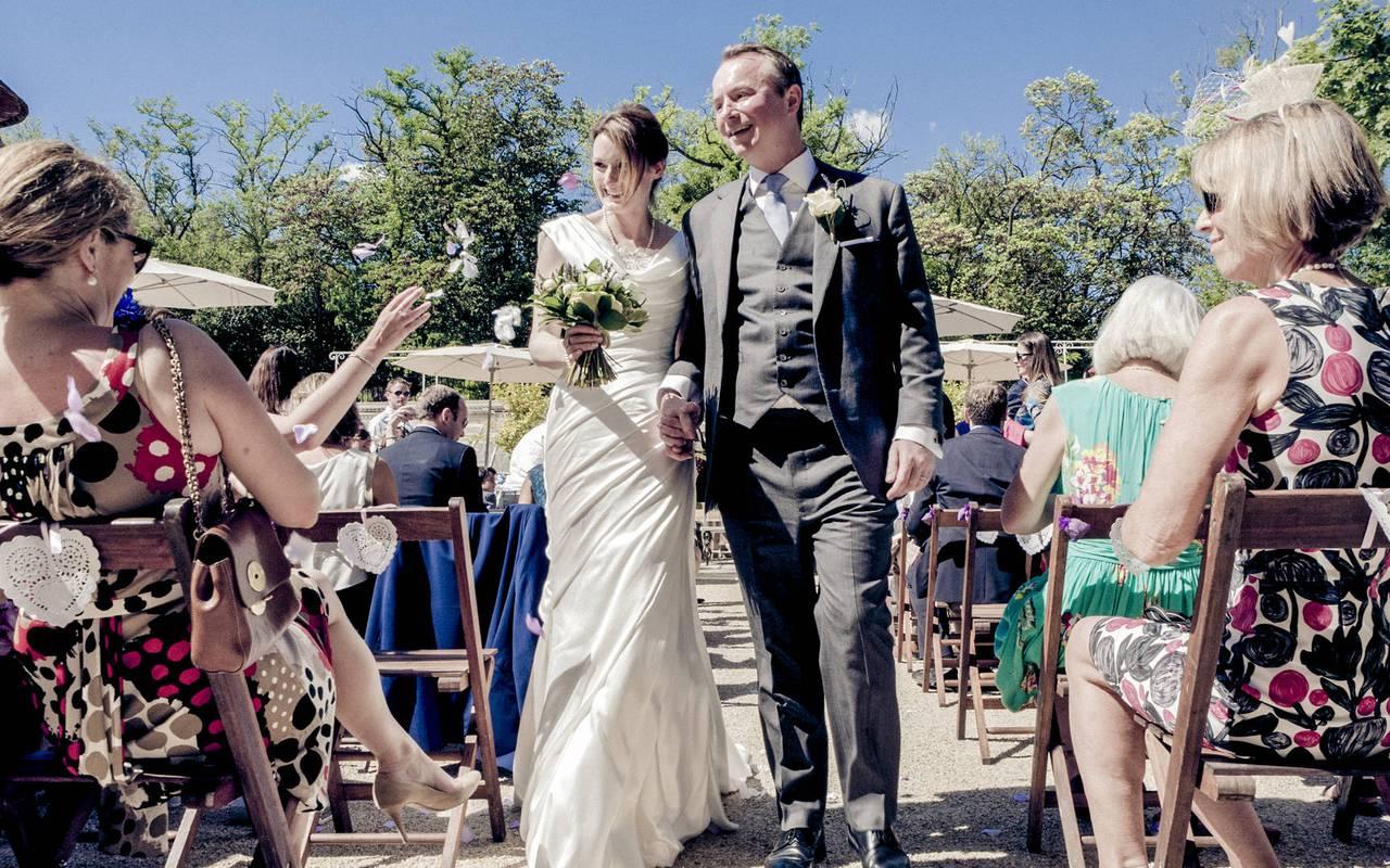 couple de mariés, location salle herault, château les carrasses