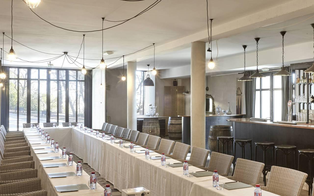 grand espace de réception, location salle herault, château les carrasses