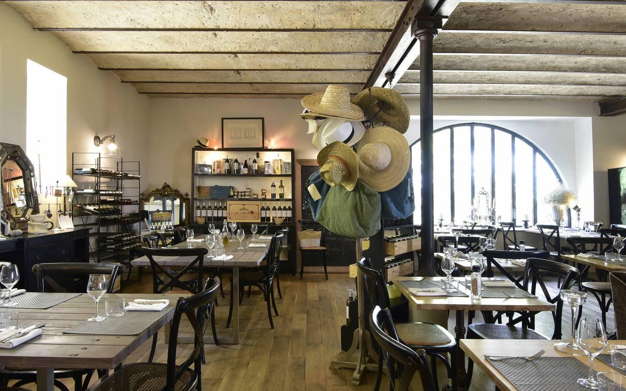 salle conviviale, restaurant gastronomique Hérault, les carrasses