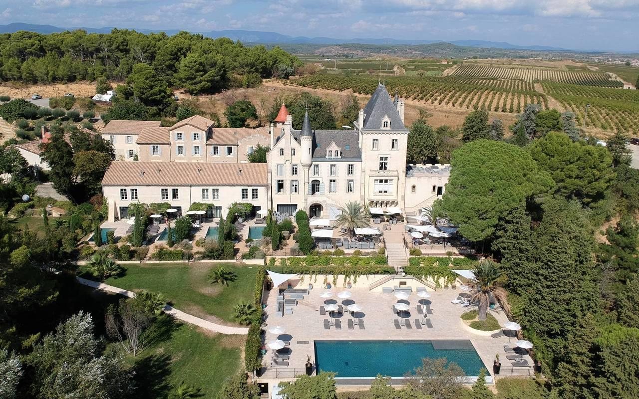 vue aérienne des carrasses location maison avec piscine en occitanie