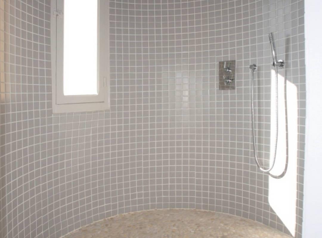 grande salle de bain, location maison piscine narbonne, Les Carrasses