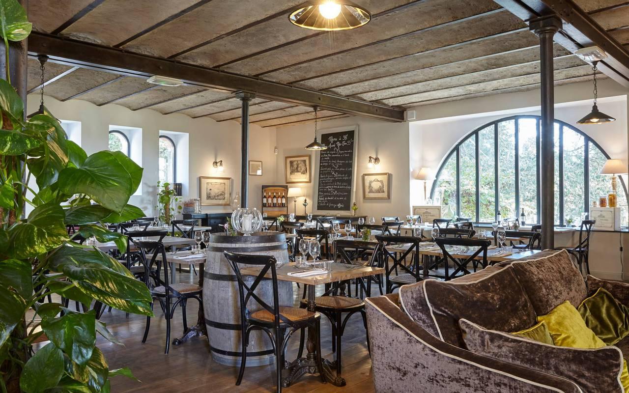 salle conviviale, restaurant gastronomique Hérault, château les carrasses